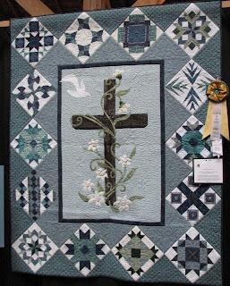 Cross applique. Love this quilt.