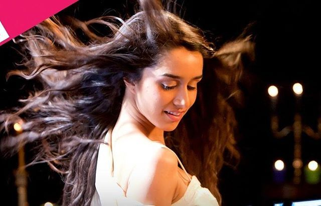 How Beautiful is she looking here ♥ shraddha kapoor