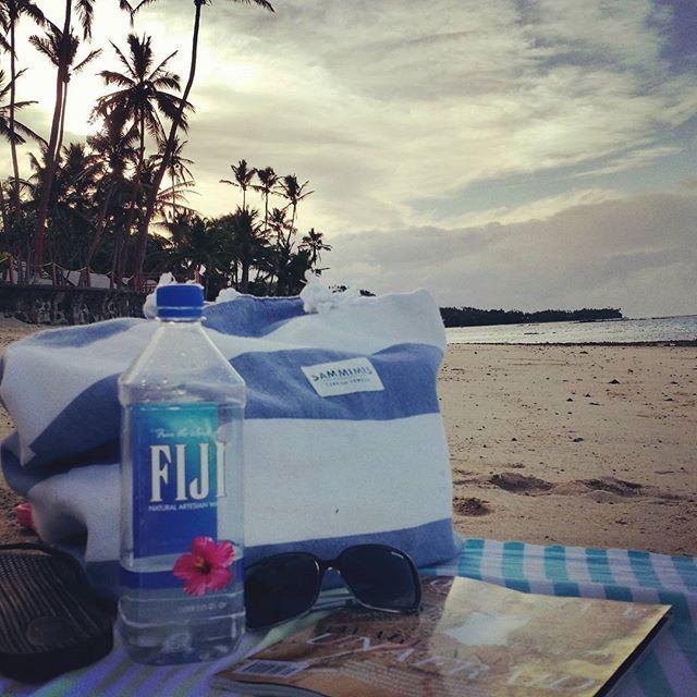 Quiet time on our almost deserted Fijian beach. #sammimis #happylife #turkishtowels #beachbag #islandlife #collectivehub #fiji #hideawayresort&spa