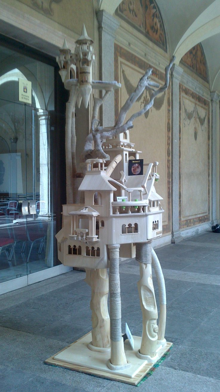 Domusfelis in an medieval palace in Milano.  Cat Castle  Cat Tree