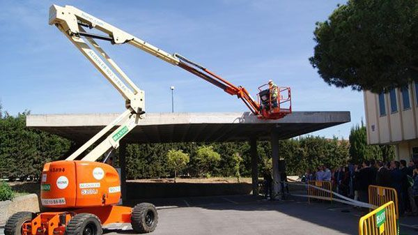 Presentan un proyecto para prevenir accidentes laborales en plataformas elevadoras