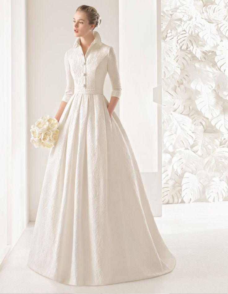 INSPIRATION : Robe de mariée à col et manches longues  #mariage #hiver