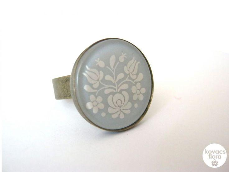 Opálos matyó gyűrű by http://www.breslo.hu/kovacsflora/shop