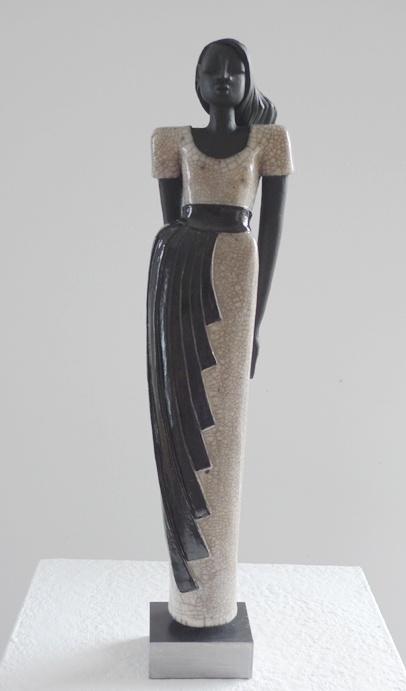 http://www.margit-hohenberger.de/Media/Raku-Figuren/Carla-Raku-Figur-Keramik.jpg