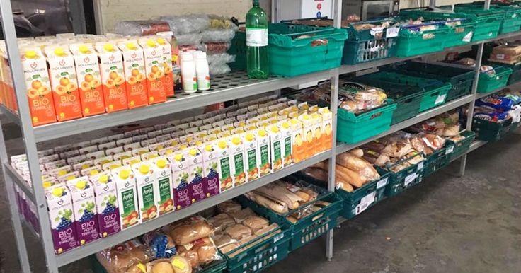 Sur les traces du Danemark, le collectif Real Junk Food Project ouvre le premier magasin anti-gaspillage alimentaire du Royaume-Uni. Le concept? Vendre des produits que les grandes enseignes s'apprêtaient à jeter à la poubelle, à prix libre. Une lutte contre...