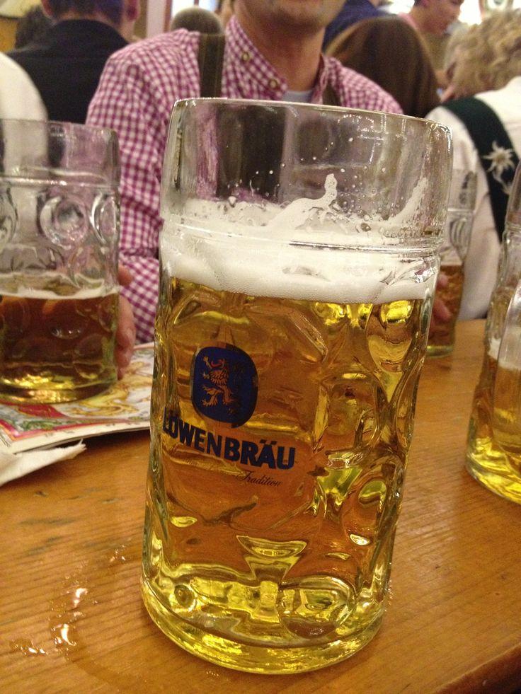 Oktoberfest e a caneca de 1 litro de cerveja