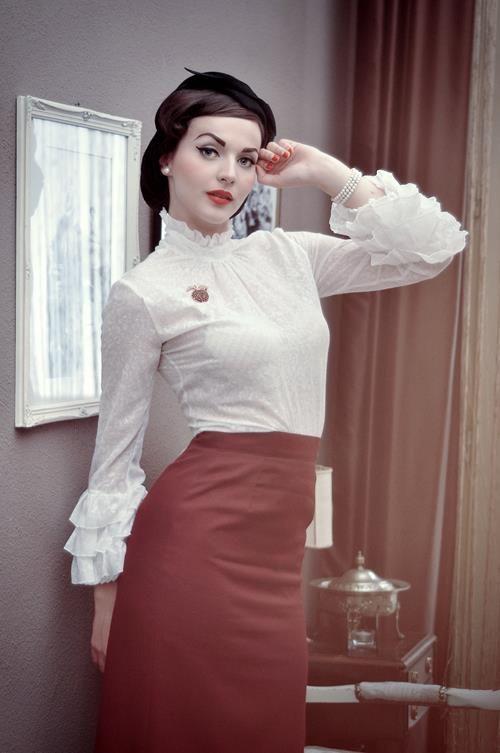 "Vintage ✄ ""Mad men"" style, Idda Van Munster"