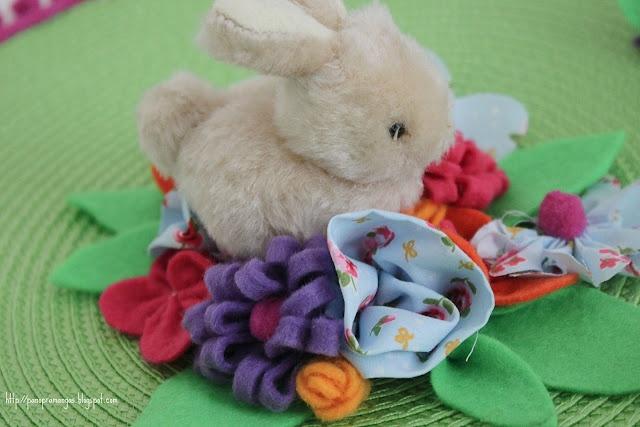 Easter hat - detail