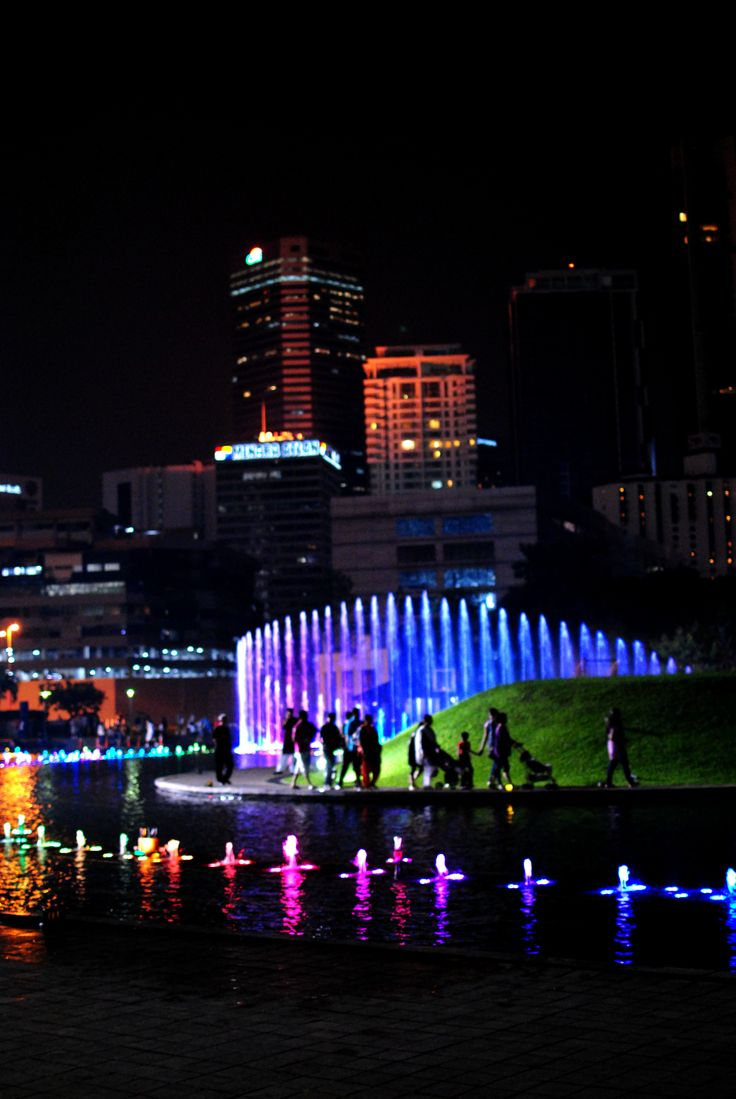 KLCC Park dancing fountain