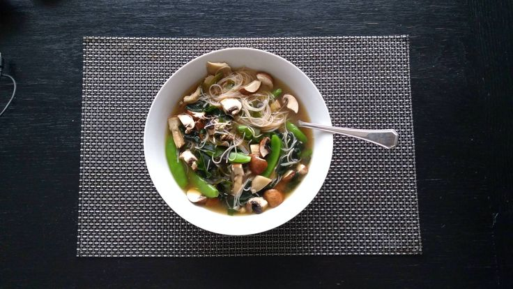 [Homemade] Miso Soup with sugarsnaps and mushrooms