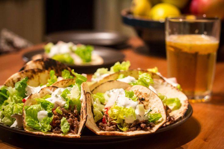 Igazi+partikaja+a+hétvégi+bulikhoz+gyorsan,+egyszerűen. A+taco+eredendően+mexikói,+de+sokan+mondják+a+magukénak+ezt+a+remek,+ezerarcú+ősi+street+food-ot.+Az+általam+elkészített+taco+alapanyagai+is+visszanyúlnak+az+eredetihez.+Habanero+paprika,+marhahús,+kukorica+taco+(ha+lett+volna).+Sajnos+nem…