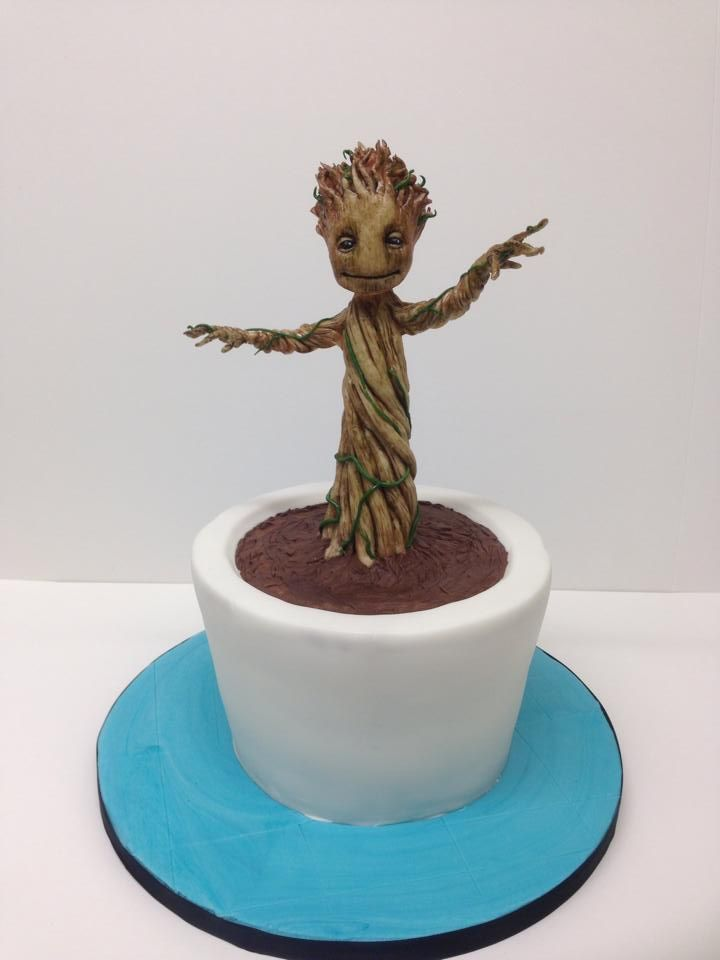 14 Sweet Geeky Cakes That You Won't Want to Eat - #Groot #GuardiansOfTheGalaxy