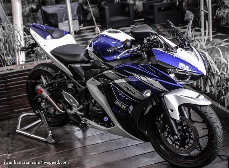 Yamaha-YZF-R25-Wallpapers-hd-images