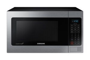 The oven is counter top type which allows you to easily place it even in small kitchens where any amount of space you manage to save is important. For more info: http://www.pickmyoven.com/best-countertop-microwave-ovens