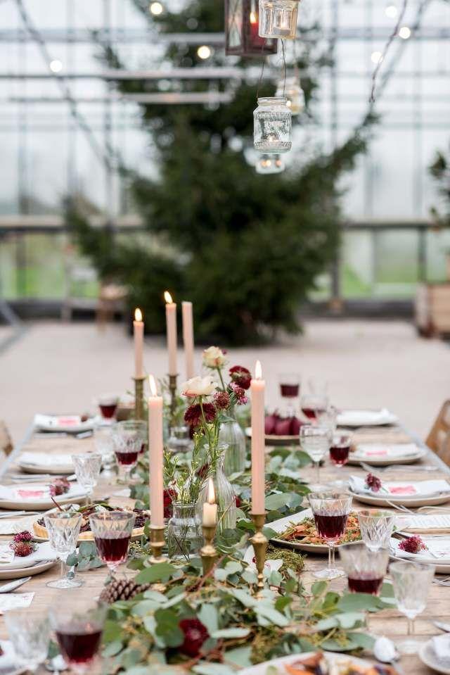 Credit: Odiza fotografie - kaars, viering, tabel (meubels), ornament, kerstmis, rook, vlam, geen persoon, restaurant, glas, feest, huwelijk (ritueel), stad, eten, licht, dining