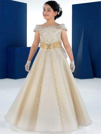 vestidos de comunion para niñas carmy 2012 7 novias - Trajes de primera comunion
