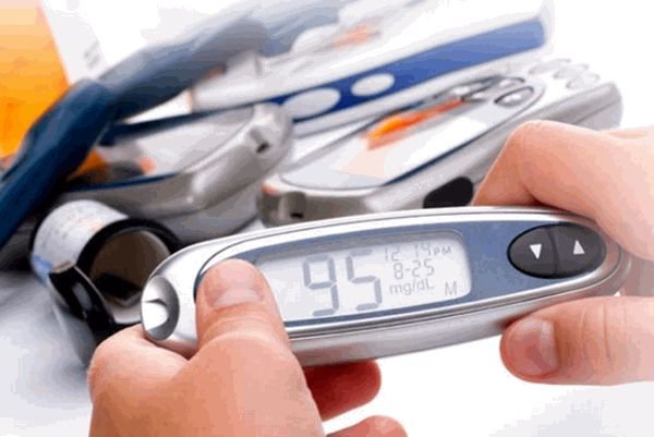 MedGizmo - Overcoming the National Knowledge Gap: Diabetes and Technology