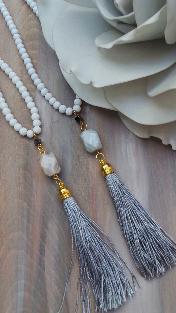 Long grey tassel necklace with agate di AllAboutEveCreations