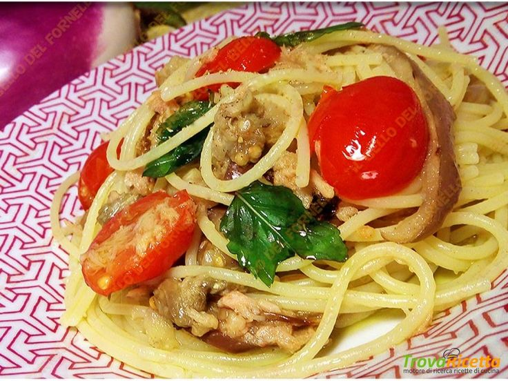 Bucatini con melanzana tonno pomodorini e peperoncino #ricette #food #recipes