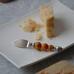 Tagliagrana impreziosito con perle in vetro di murano
