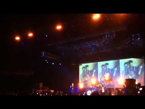 Morrissey - Every day is like sunday live in Chile