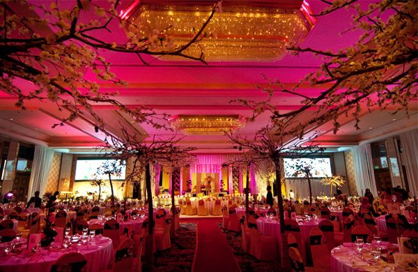 Beautiful japanese themed malay wedding at the shangri la for Asian wedding house decoration ideas