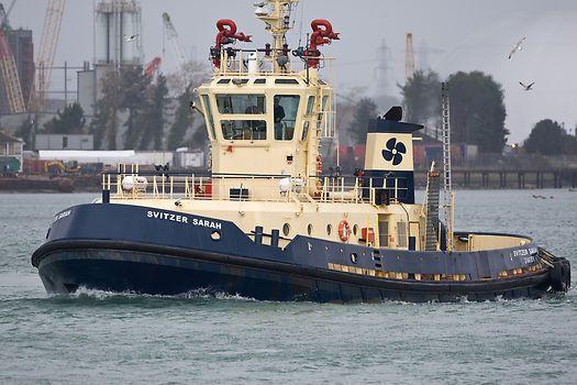 The Svitzer Towage tug 'Svitzer Sarah' in the Port of Southampton
