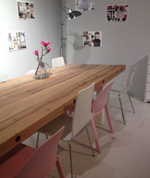 78 idee n over roze stoelen op pinterest roze fluweel fauteuils en fluwelen stoelen - Smeedijzeren stoel en houten ...