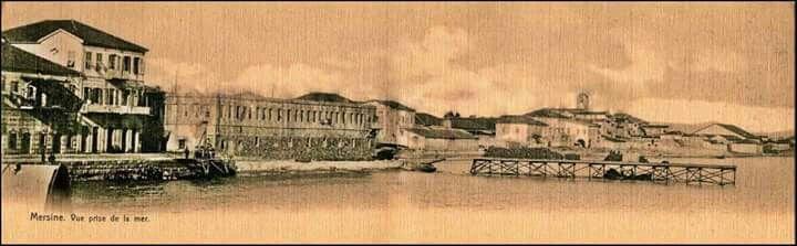 Mersin 1920 ler sahil antik taşhan önü..
