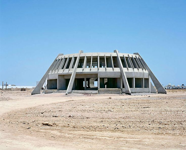 Between 2002 and 2005, German photographers Sabine Haubitz and Stefanie Zoche traveled to Egypt's Sinai peninsula. There, the skeletons of abandoned 5-star