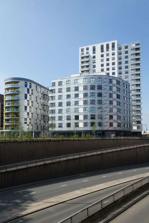 """""""Apartments in Reading Town Centre"""" by Edward Lever at PicturesofEngland.com"""