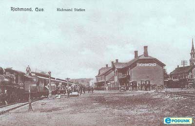 Station, Richmond, QC en 2001