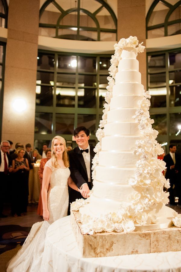 Big Wedding Cake Images : 25+ best ideas about Big Wedding Cakes on Pinterest ...