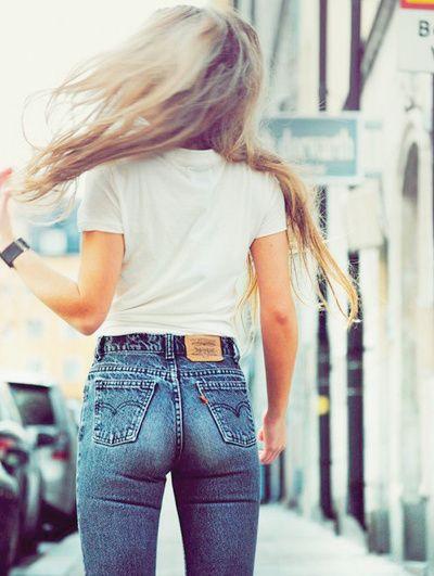 Jeans taille haute juste comme il faute !!!  https://fr.pinterest.com/disavoie11/
