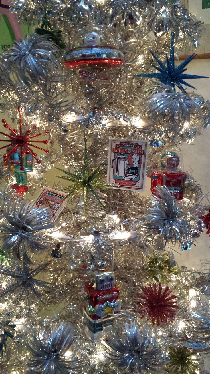 Sputnik christmas ornaments - Tinselmania 221 Vintage Aluminum Christmas Trees