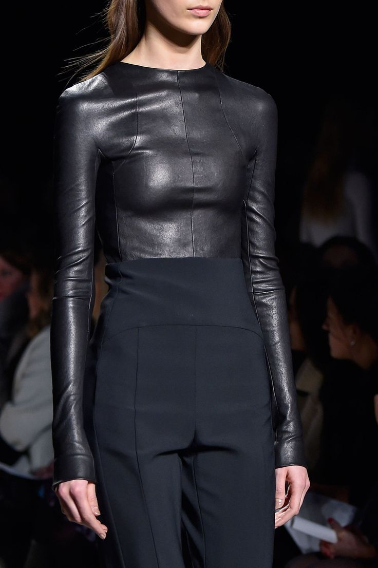 106 details photos of Narciso Rodriguez at New York Fashion Week Fall 2015.