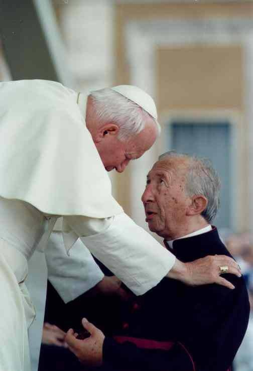 Msgr. Luigi Giussani (1922-2005) https://www.facebook.com/photo.php?fbid=571285522902796=pb.120421517989201.-2207520000.1369497361.=3