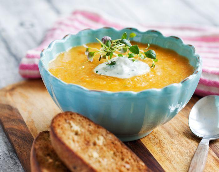 Snabbare än så här får du knappast maten på bordet. Enbart soppan utan bröd ger bara 105 kcal och passar jättebra på en dag av halvfasta!