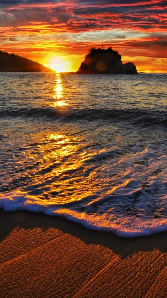 Tangolunda Bay, Huatulco, Mexico hermosa puesta de sol :)