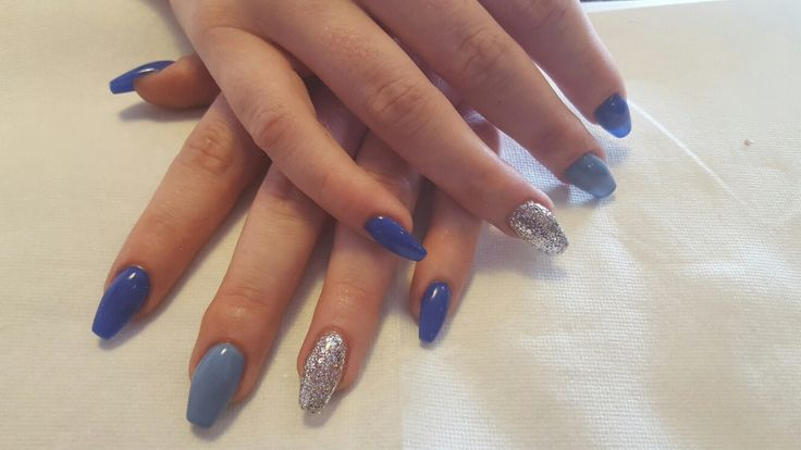 Feeling The Blue Gelish - Mali-Blu Me Away & Up In The Blue with Silver Glitter