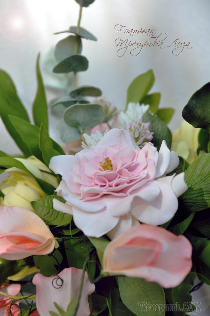 Букет из фоамирана. душистый горошек, розы, клевер, веточки эвкалипта, хризантемы...
