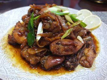 simak resep Ayam Goreng Kecap di sini : http://www.resepkita.com/detailResep.asp?recId=483
