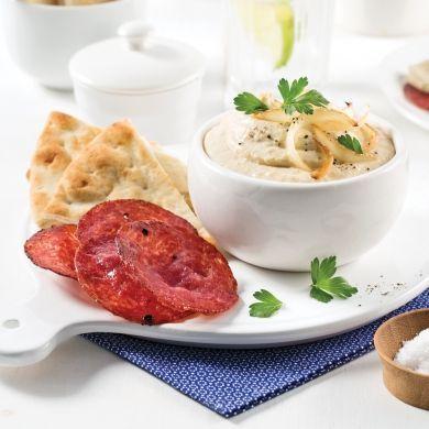 Chips de salami et hummus - Entrées et soupes - Recettes 5-15 - Recettes express 5/15 - Pratico Pratique