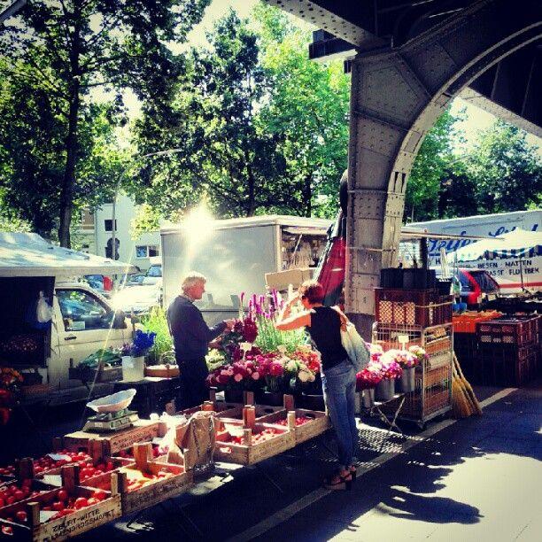 Isemarkt, Eppendorf unter der Hochbahn Dienstags und Freitags Vormittag