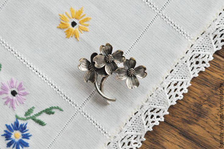 Купить Винтажная серебряная брошь Цветы кизила от Beau Sterling, США. Серебро - винтаж, старина