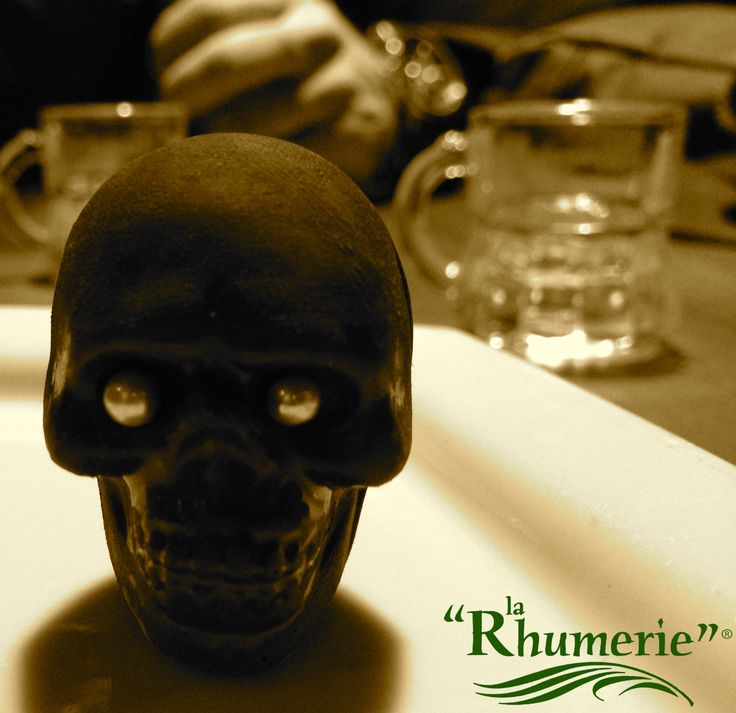 #larhumerie7 #viamariavittoria49 #torinobynight #rumworld #larhumerie #mojito #skulls #choccolateskulls #halloween #viaormea2 La Rhumerie 7 via ormea 2 torino