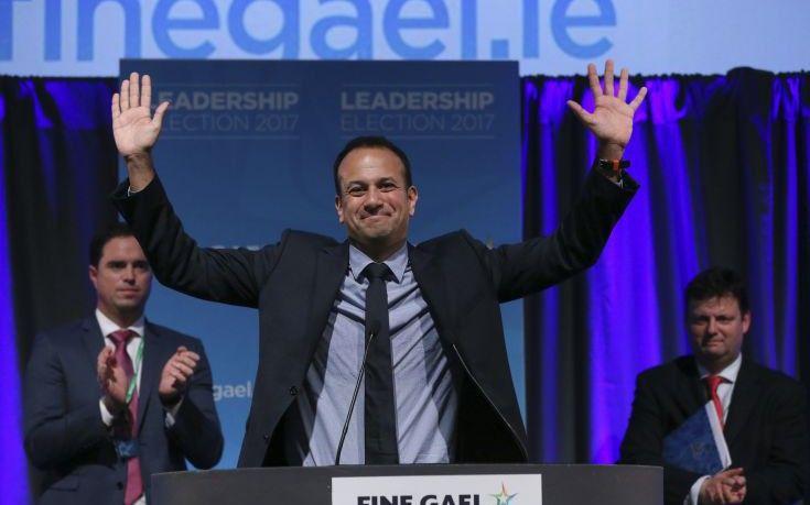 Ένας νεαρός, ομοφυλόφιλος και μιγάς για πρωθυπουργός της Ιρλανδίας