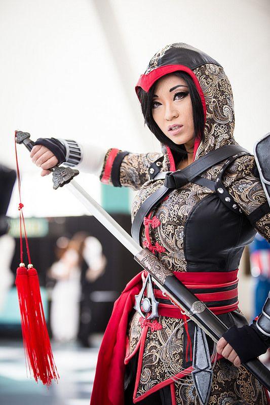 Assassin's Creed by Yaya Han cosplay #comikaze2014