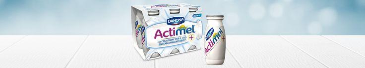 http://www.actimel.it/gusto-bianco-naturale/...Ingredienti: Latte scremato, crema di latte, zucchero liquido, destrosio, sali minerali del latte, L.casei, S.thermophilus, L.bulgaricus, Vitamine B6 e D. Senza glutine. Disponibile nei formati da 4, 6 e 10 bottigliette.