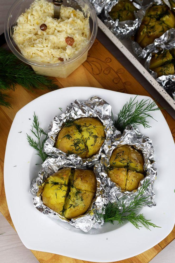 Zapiekane ziemniaczki z masłem czosnkowym- super dodatek do obiadu!